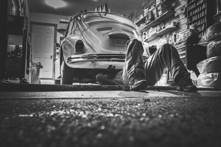 Jaki wybrać styropian pod wylewkę w garażu